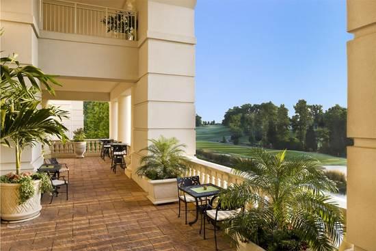 ゴルフを楽しむ ザ バランタイン ア ラグジュアリー コレクション ホテル