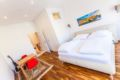 City Apartment, free Garage, 3 mins to Metro - Vienna - Austria Hotels